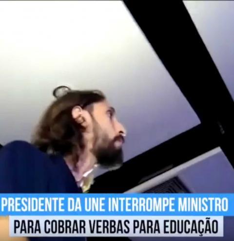 PRESIDENTE DA UNE ACUSA MINISTRO DA EDUCAÇÃO DE QUERER PRIVATIZAR UNIVERSIDADES PÚBLICAS