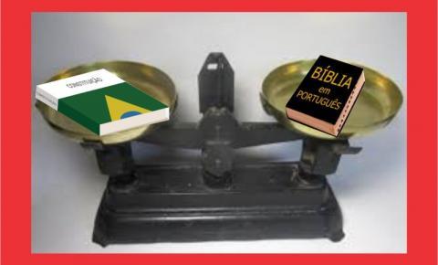 CONSTITUIÇÃO E BÍBLIA.