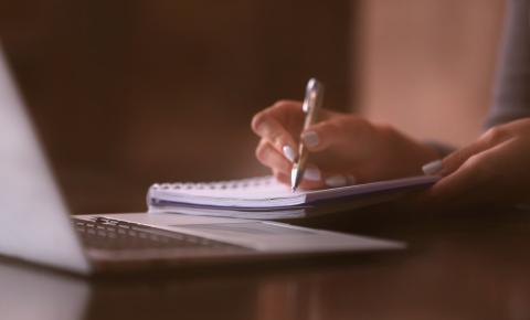 Ensino a distância: liberados para ensino médio, cursos EAD ainda são piores que presenciais